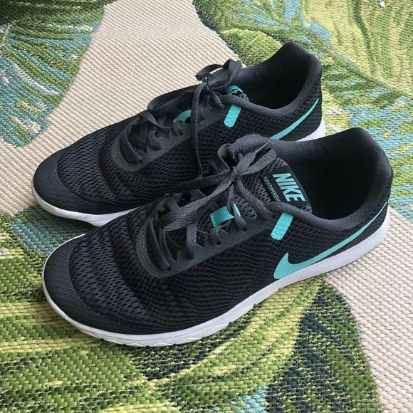 3b98634f027 Nike • Women s Flex Experience RN 6. M 5ca8e53b19c157cdfa48ff2a